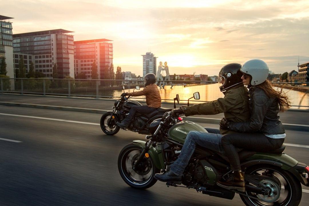 Rondtoeren op je motor met vrienden